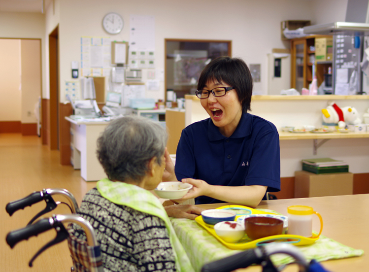 特別養護老人ホーム 1日の過ごし方 昼食