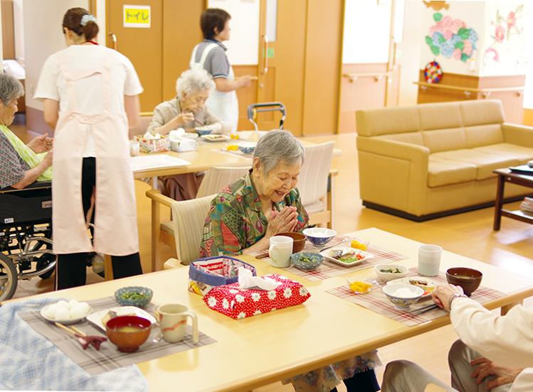特別養護老人ホーム 1日の過ごし方 夕食